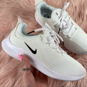 New Nike Women's Viale Running Sneakers